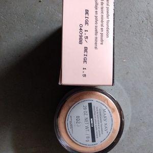 Beige 1.5 powder foundation